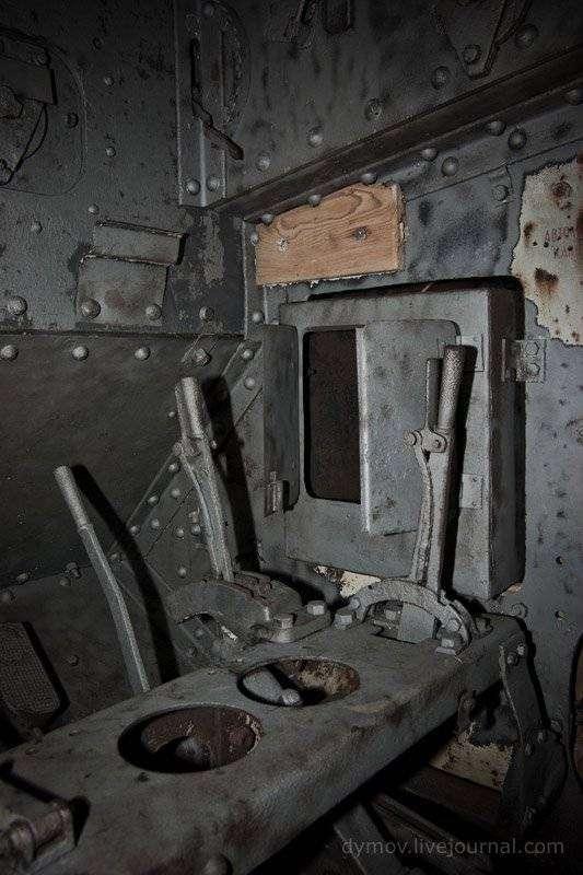 Реставрация танков Mark V в Луганске (20 фото)
