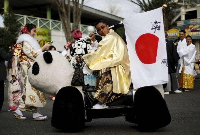 В Японии девушки и парни отметили День совершеннолетия (20 фото)