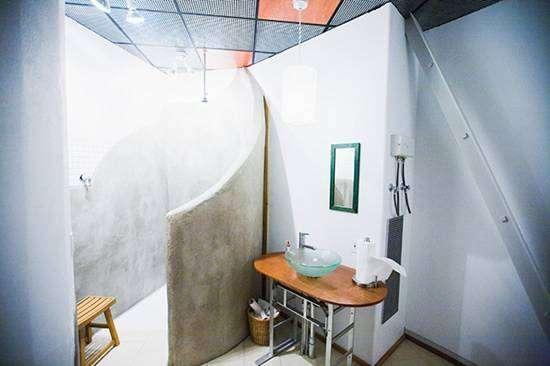 Дом в ракетной шахте (10 фото)