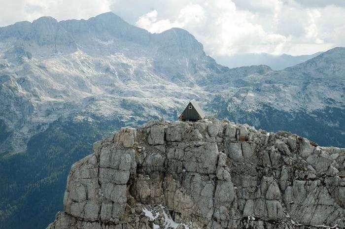 Бесплатная хижина в Альпах (10 фото)