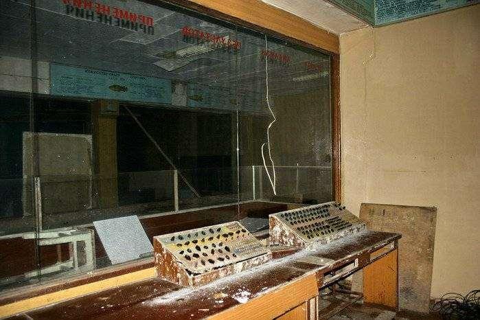 Заброшенный командный пункт советских ПВО (51 фото)