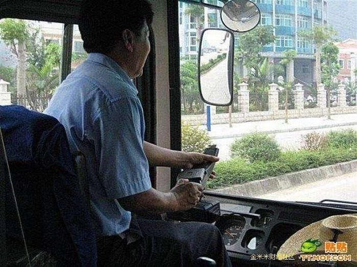 Китайский матерый водитель (6 фото)