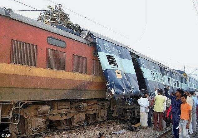 Авария в Индии (4 фото)