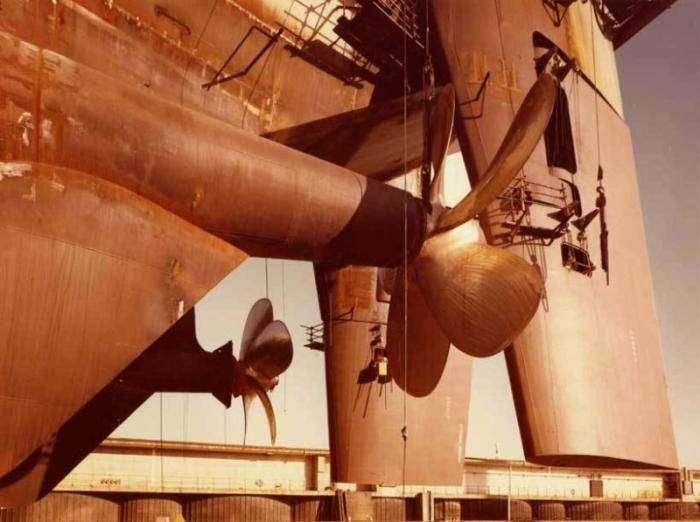 Как строится судно (30 фото)