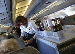 10 пугающих вещей, о которых тебе не расскажет стюардесса