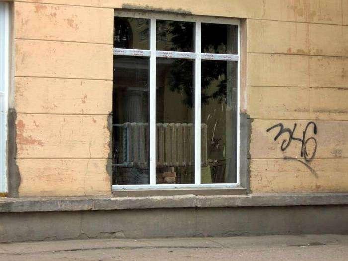 Только в России - большое окно с подогревом.