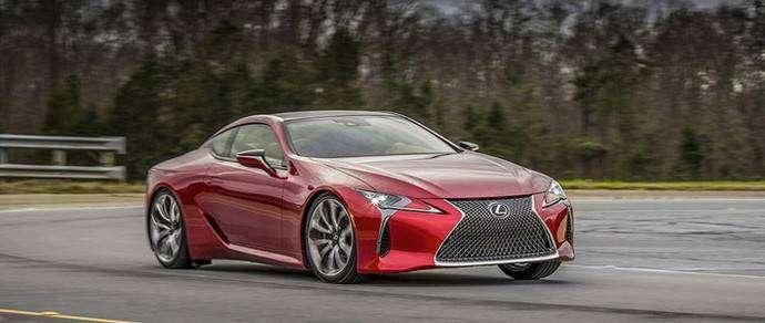 Lexus представила серийный спорткар с 5-литровым V8 и 10-АКП