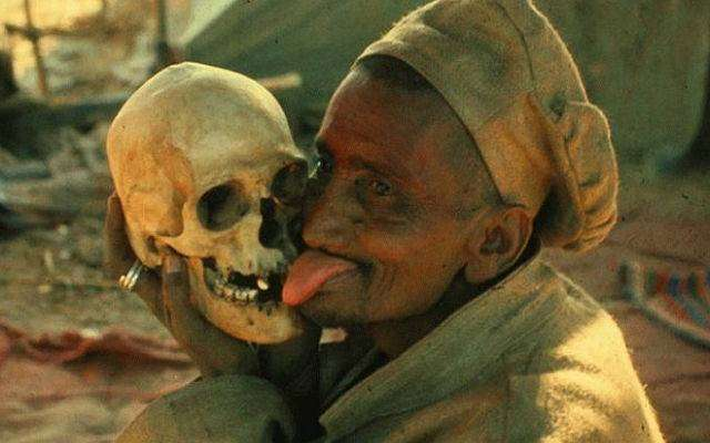 Жестокие ритуалы, которые практикуются фанатиками и по сей день