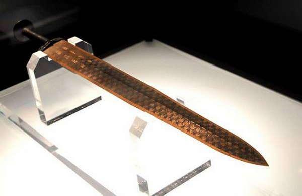 Самые знаменитые мечи, о которых слагали легенды (12 фото)