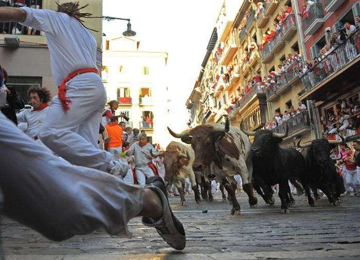 Бег с быками – Памплона, Испания
