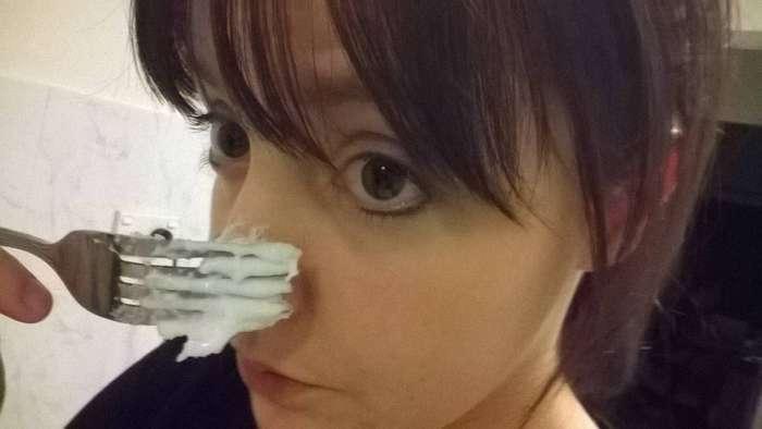 Такая маска быстро удалит черные точки на носу