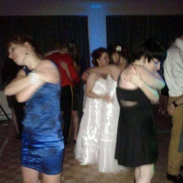 Белый танец в Иваново  одиночество, прикол, юмор