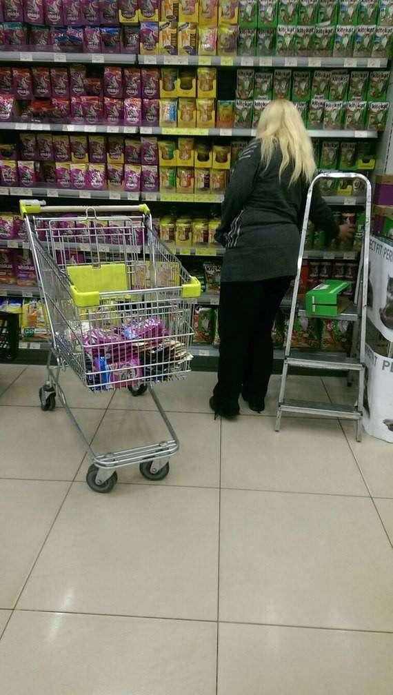 Одиноких можно вычислить в магазинах по набору продуктов  одиночество, прикол, юмор
