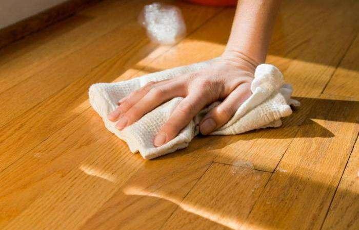 Средство для деревянного пола
