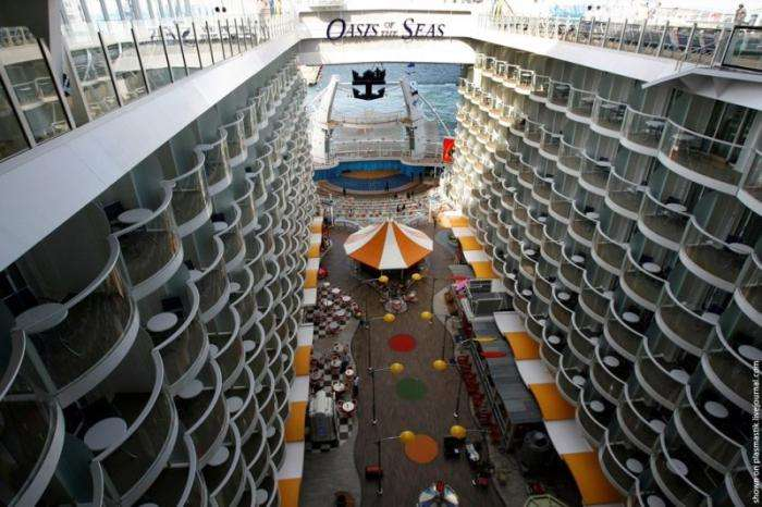 Oasis of the Seas (31 фото)