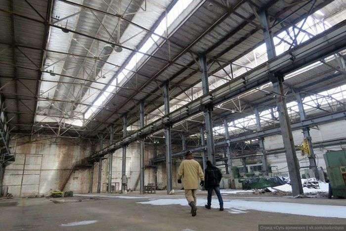 Экскурсия по Ясиноватскому машиностроительному заводу (23 фото)