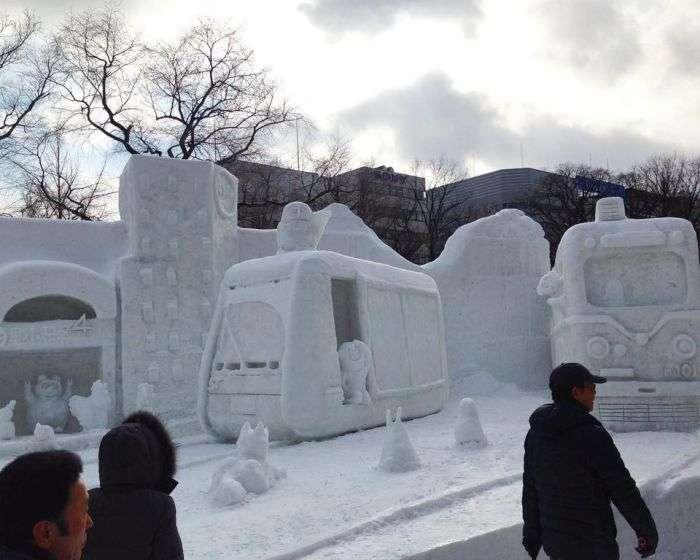 Снежный фестиваль Sapporo Snow Festival в Японии (15 фото)
