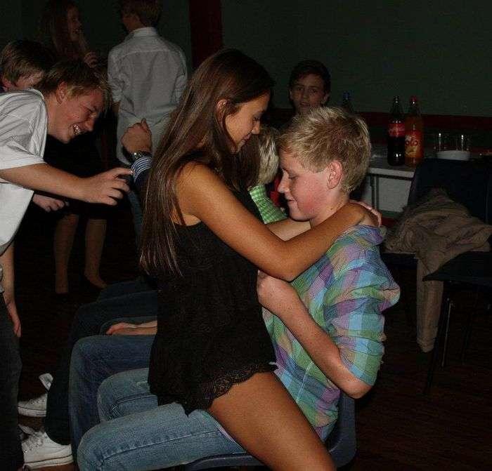 Жалобы на школьные вечеринки в клубах (13 фото)