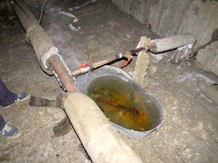 Коммунальщики отремонтировали  (3 фото)