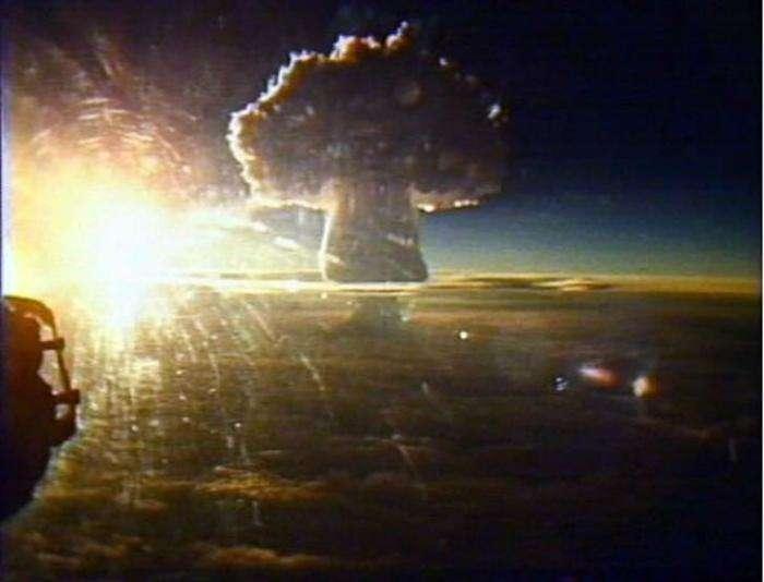 Мощные ядерные взрывы, заснятые на камеру  (10 фото)