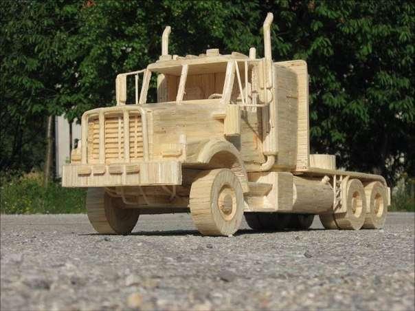 Крутые фигурки известных грузовиков (6 фото)