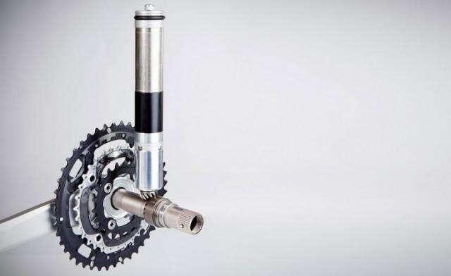 В велосипеде участницы велогонок нашли «технический допинг»  (2 фото)