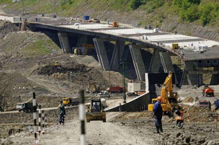 Олимпийскую дорогу можно было построить из икры и коньяка (8 фото)