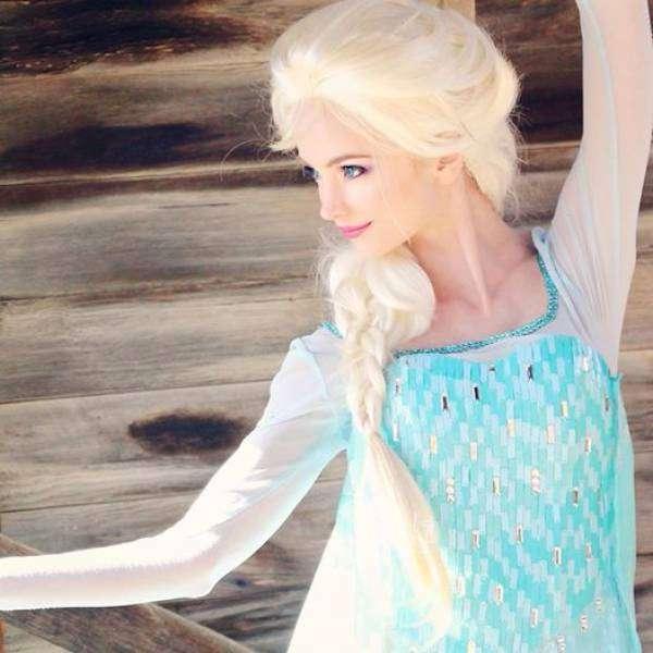 Американка потратила более 14 000 $ на костюмы принцесс (16 фото)