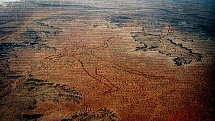 Австралийский загадочный геоглиф или человек Марри (4 фото)