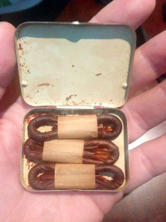 Коробка многоразовых презервативов 1940-го года выпуска (2 фото)