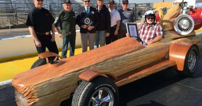 В Канаде автомобиль из бревна установил рекорд скорости (12 фото)