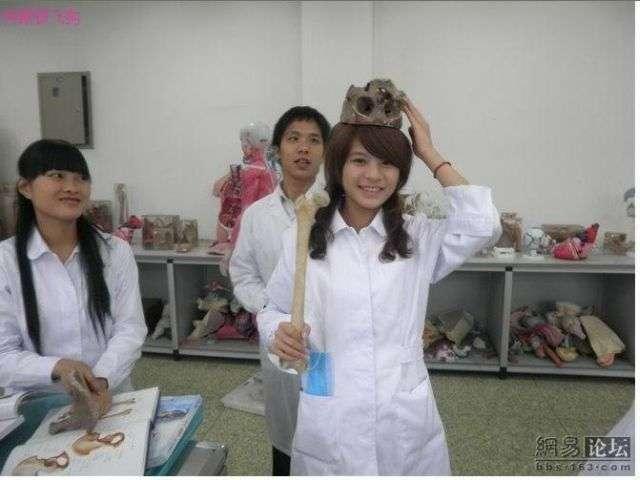 Развлечение студентов медиков (5 фото)