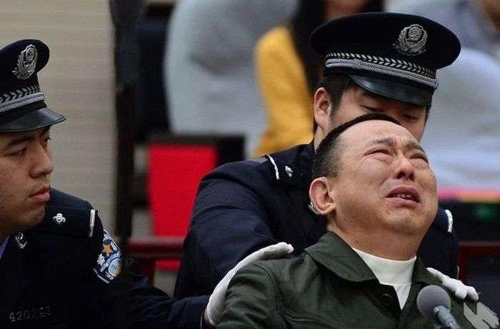 В Китае казнили миллиардера Лю Ханя (4 фото)