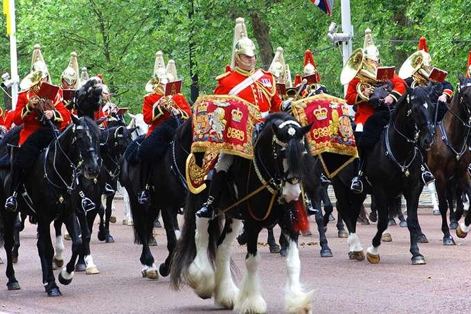 5 причин поехать в Великобританию в июне (5 фото)