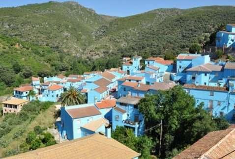 Странные и необычные достопримечательности Испании (10 фото)