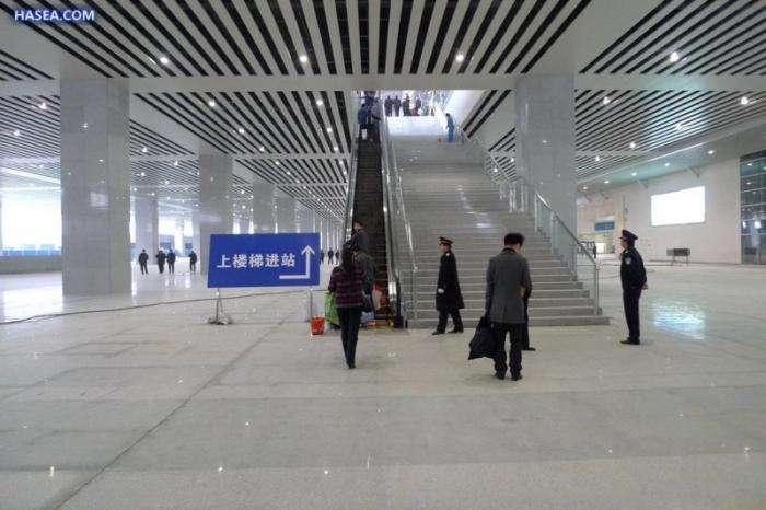 Скоростная дорога в Китае (29 фото)