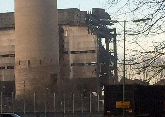 В Великобритании произошел взрыв на электростанции города Дидкот (6 фото)