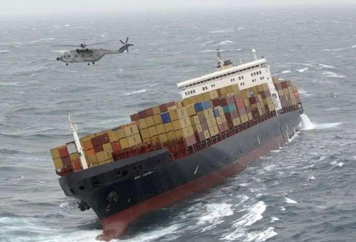 Морские катастрофы (14 фото)