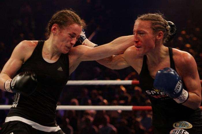 Женский бокс (3 фото)