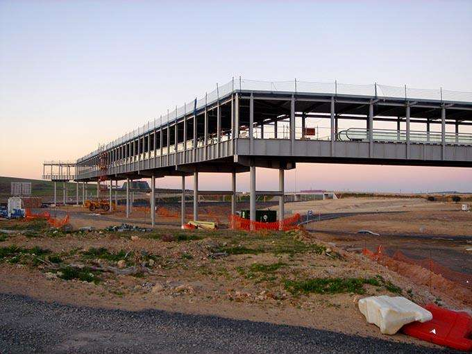 15 удивительных заброшенных аэропортов мира (15 фото)