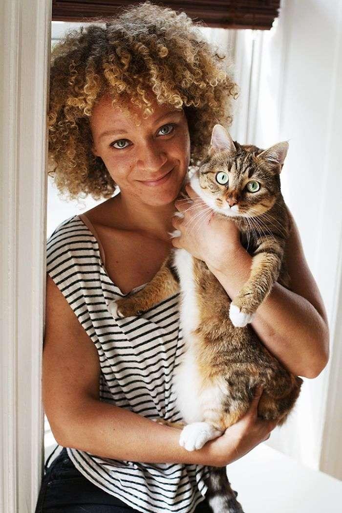 Израиле, домашние ыотограыии девушек с кошками соединяющий