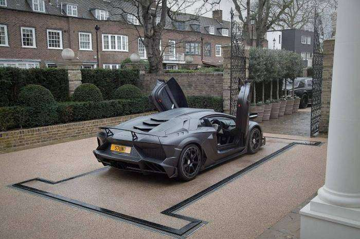 Lamborghini Aventador от Mansory для британского миллиардера (10 фото)