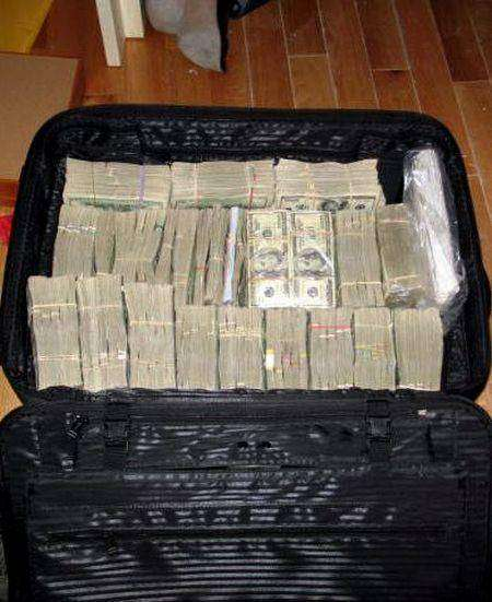 Закрома колумбийской мафии (15 фото)