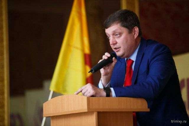 Депутат Госдумы Олег Пахолков пожаловался на рисунок (2 фото)