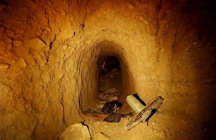 В освобожденном от ИГИЛ городе Синджар нашли сеть тоннелей (7 фото)