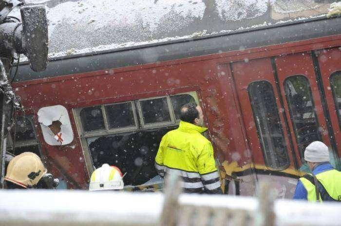 Столкновение поездов (19 фото)