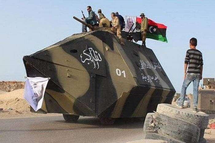 Самодельный бронетранспортер сил специального назначения  (5 фото)
