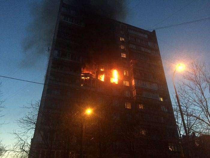 В Москве в жилом доме произошел взрыв газа (5 фото)