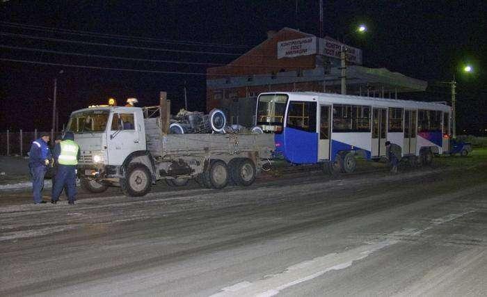 Перевозка трамвая (7 фото)