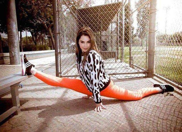 Маккайла Марони - американская гимнастка, ставшая мемом в сети (28 фото)